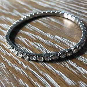 Swarovski crystal stretch bracelet 💙